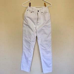 LEVIS 80s High waisted white denim jeans tapered☯️
